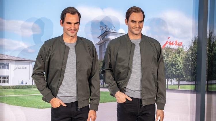 Stargast in Niederbuchsiten: Roger Federers 3D-Zwilling kann nur Posieren