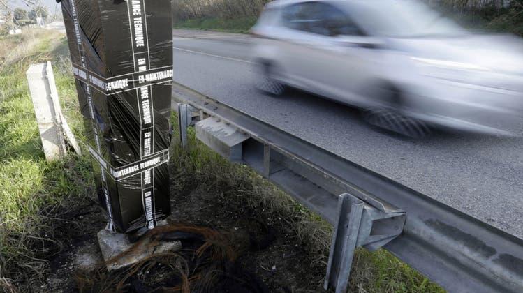 42 km/h zu schnell – 22-jähriger Junglenker muss Führerausweis abgeben