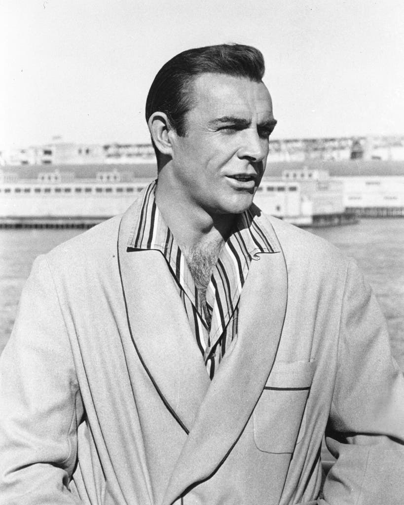 1964: Sean Connery posiert für ein Bild.