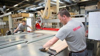 Türenproduktion bei der Arbonia-Gesellschaft RWD Schlatter in Roggwil. (Bild: Urs Bucher)