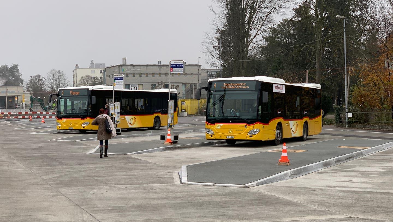 Busbahnhof Wohlen: Seit Montag verkehren einige Buslinien ab dem neuen Busbahnhof. (Bild: Pascal Bruhin (Wohlen, 11.11.2020))