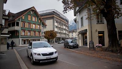 Die Poststrasse in Sarnen soll zur Flanierzone werden. (Bild: Corinne Glanzmann (13. November 2019))