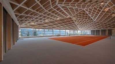 Eine Tennishalle im Bürgenstock-Resort. Unter anderem hier sollen im Mai 2021 Veranstaltungen im Rahmen des WEF stattfinden. (Pius Amrein (9. Oktober 2020))