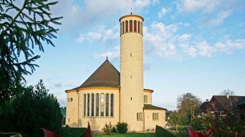 Die katholische Kirche St. Josef in Bussnang besticht durch ihr rundes Design. Erbaut wurde sie 1935. (Bild: Donato Caspari (Bussnang, 17. Oktober, 2008))