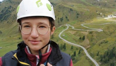 Die 20-jährige Daria Graber aus Kobelwald ist Mitglied der Rettungskolonne Sax. Sie beabsichtigt, an einem Paragleiter-Schnupperkurs teilzunehmen, und würde gern auch das Bungee-Jumping einmal ausprobieren. (PD)