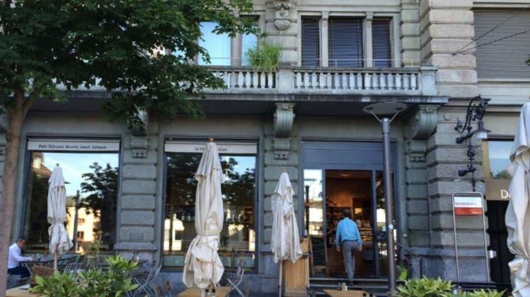 Maskierter Mann überfällt Restaurant im Kreis 7 – Polizei sucht Augenzeugen