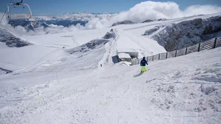 Ende September: Die erste Schweizer Skipiste hat am Montag eröffnet