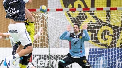 St.Otmars Goalie Aurel Bringolf zeigte 17 Paraden. (Tobias Garcia)