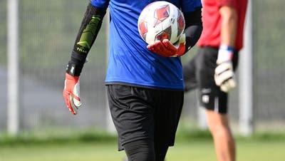 «Bin überzeugt, dass ich mich hier durchsetzen werde»: Das ist der neue FCA-Goalie Simon Enzler