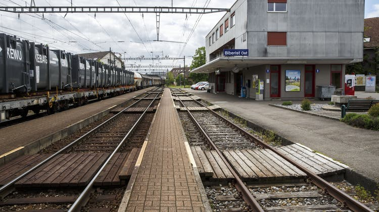 Bahnumbau schreitet voran — für vier Wochen wird Ersatzbetrieb mit Bussen eingerichtet