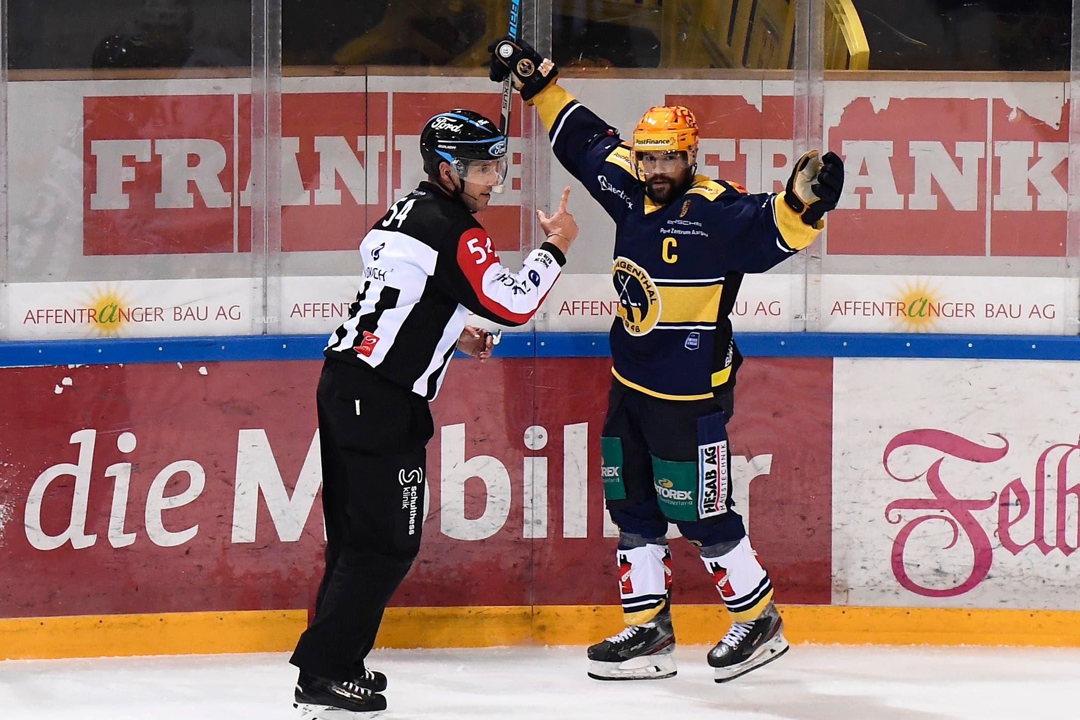 Stefan Tschannen besiegelt die Oltner Niederlage im letzten Drittel.