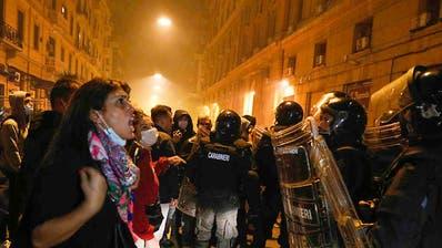 Proteste gegen Corona-Ausgangssperre in Neapel