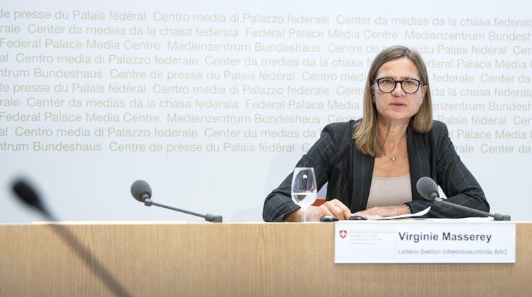 Virgine Masserey, Leiterin Sektion Infektionskontrolle vom BAG an einer Pressekonferenz in Bern. (Keystone)