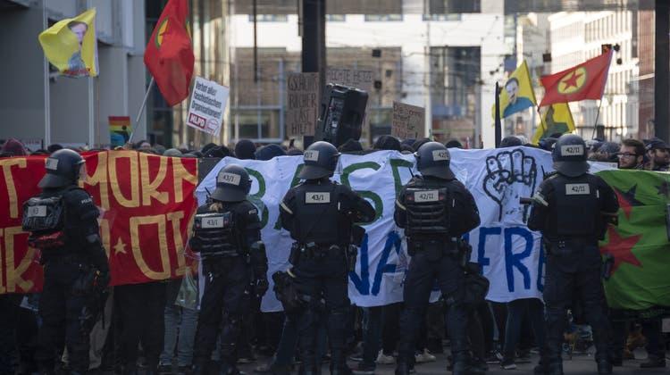 Mit Megaphon an vorderster Front der «Basel Nazifrei»-Demo: 28-Jähriger wird verurteilt