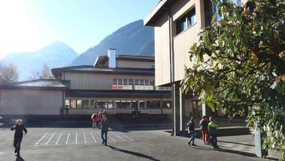 Das Schulhaus Jagdmatt in Erstfeld soll für 13,75 Millionen Franken saniert werden. (Bild: Nino Gisler (Erstfeld, 18. November 2020))