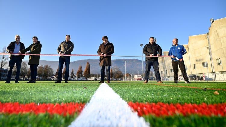 Die neuen Kunstrasenfelder auf dem «Wembley» wurden den Fussballclubs übergeben