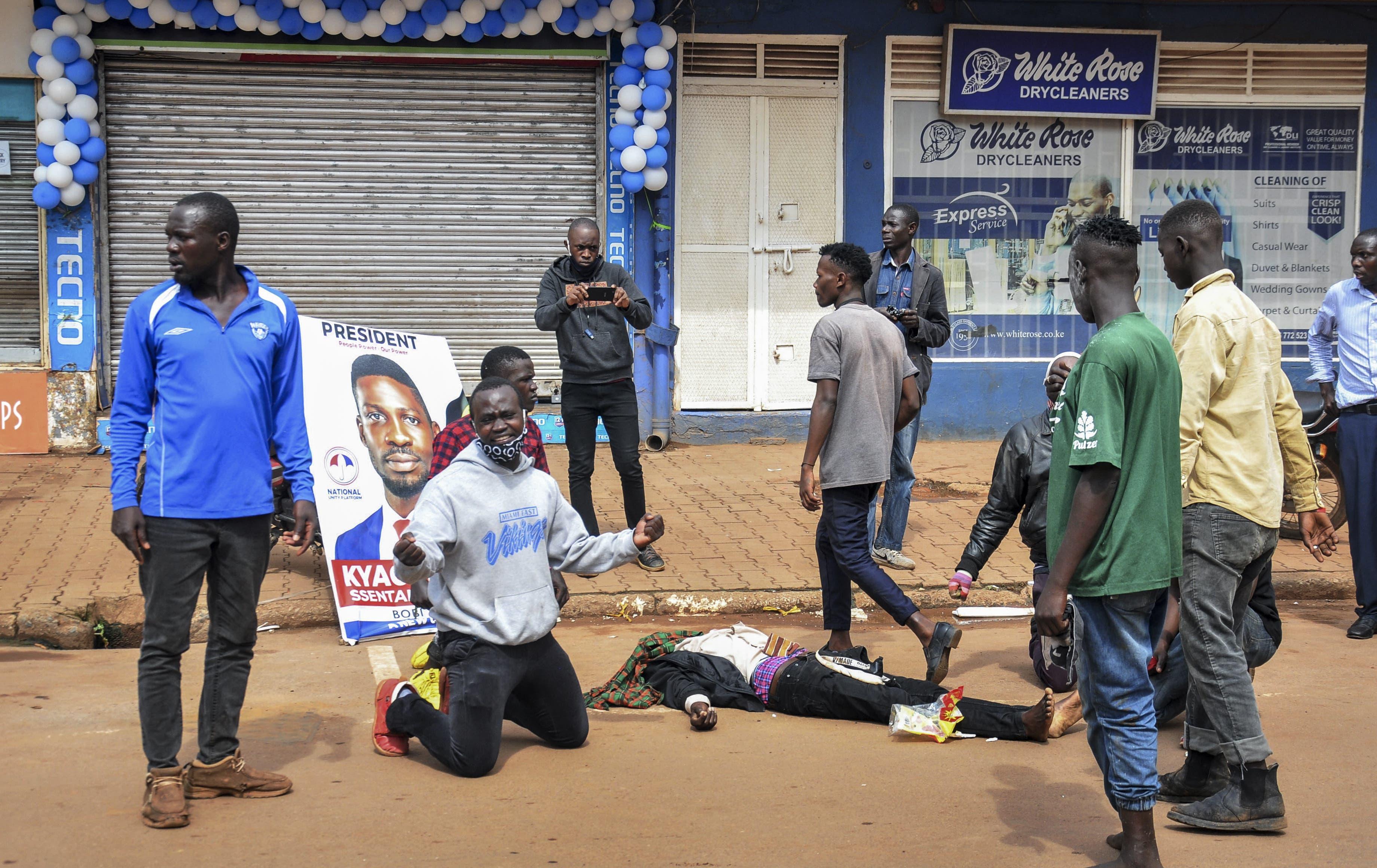 Protestierende berichten von erschossenen Demonstranten.
