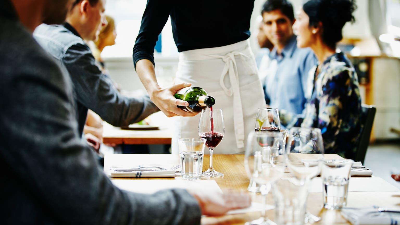 Vergesst Tripadvisor und Co! Die alten, bewährten Gastroführer wie Gault Millau haben eben doch ihren Wert