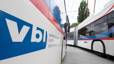 Ein Bus der VBL am Bahnhof Luzern. (Bild: Urs Flüeler / Keystone (Luzern, 14. Mai 2018))