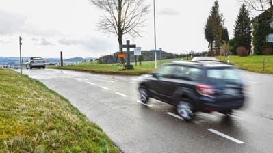 Autofahrer rasen mit bis zu 130 Kilometern pro Stunde auf der Hochwacht – der Sirnacher Gemeinderat reagiert mit fünf Massnahmen