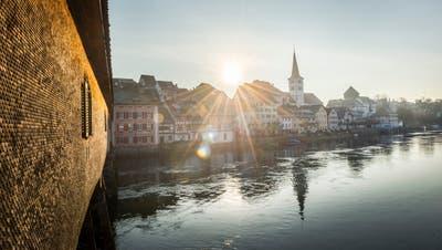 Die über 200 Jahre alte Rheinbrücke verbindet Diessenhofen mit Gailingen. (Bild: Andrea Stalder)