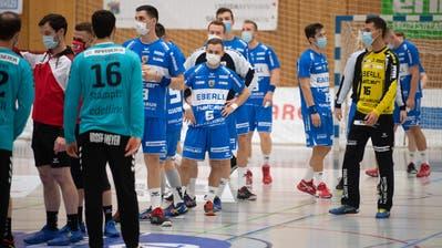 Die Spieler des HC Kriens-Luzern vor der Partie gegen den BSV Bern. (Bild: Boris Bürgisser (Kriens, 11. November 2020))