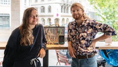 «Wie hoch unsere Einbussen sind? Wir haben aufgehört zu zählen»:Melanie Danuser und Bill Bühler alias Mischgewebe. (Bild: Nik Roth (St.Gallen, 4. Juni 2020))