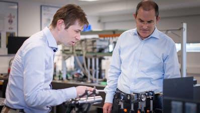 Geschäftsführer Richard Quaderer (rechts) sieht grosse Chancen im Innovationspark Ost. (Bild: Oliver Hartmann (13.Juni 2016))