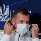 Die Ukrainer legen in der Heimat negative Corona-Tests ab