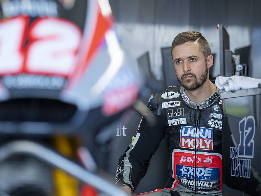 Lange Gesichter: Tom Lüthi gelang im letzten Rennen für das IntactGP-Team kein versöhnlicher Abschluss