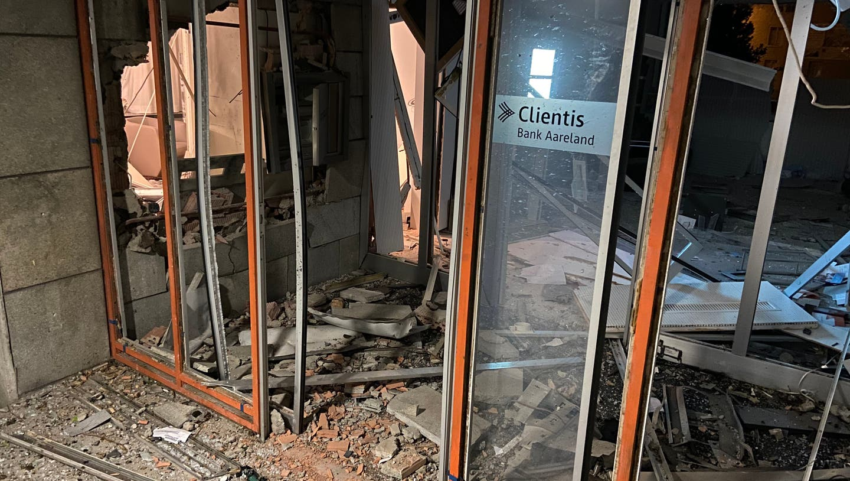 Ein Bild der Zerstörung: Der Eingangsbereich der Bank. (Kapo AG)