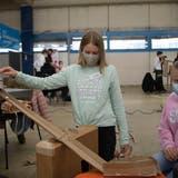 Die Mädchen sind an der Premiere des ICT Campus in St.Gallen in der Mehrzahl. (Bild: Ralph Ribi)