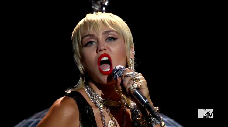 Miley Cyrus singt «Midnight Sky» aus ihrem neuen Album während den MTV Video Music Awards. (Ho / MTV)