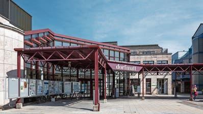 Wie bisher leiten auch künftig zwei FDP-, zwei CVP- und ein SVP-Vertreter die Geschicke der Gemeinde Risch. Im Bild ist das Zentrum Dorfmatt zu sehen. (Bild: Patrick Hürlimann (Rotkreuz, 10. September 2020))