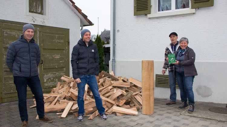 Heizen mit heimischem Holz: Ehepaar aus Villmergen erhält Freiämter Holzpreis