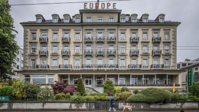 Eines der Hotelgebäude auf dem Bürgenstock mit Blick auf den Vierwaldstättersee. (Bild: Pius Amrein  (Bürgenstock, 9. Oktober 2020))