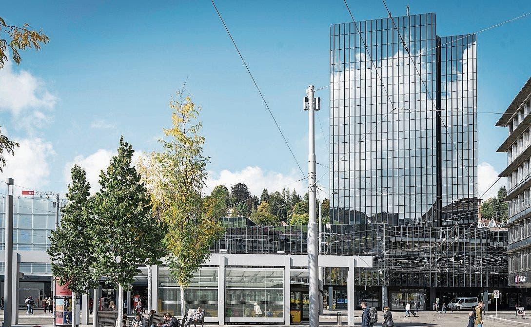 St. Gallen: Die FDP verliert ihr letztes Stadtpräsidium in einer der zehn grössten Schweizer Städte. SP-Kandidatin Maria Pappa besiegt FDP-Kandidat Mathias Gabathuler.