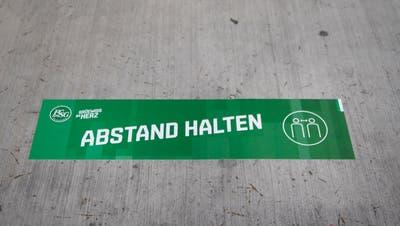 Keine Trainings, kein Spiel: St.Gallens Spieler müssen Abstand halten und noch bis und mit diesen Dienstag zu Hause bleiben. (Bild: Benjamin Manser)