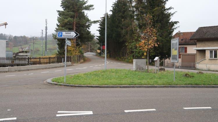 Die Verkehrssituation für Fussgänger ist an der Kreuzung Mosswiesstrasse/Buechenwaldstrasseschlecht gelöst, findet auch der Stadtrat. (Bild: Basil Schnellmann)