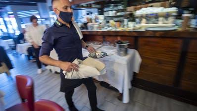 Hektische Zeiten in der Gastronomie: Finanzminister Maurer pocht auf «hohe Ausgabendisziplin» (Martial Trezzini / Keystone)
