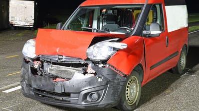 Die Lenkerin und der Lenker diser beiden Fahrzeuge wurden beim Unfall verletzt. (Bild: Luzerner Polizei (Ruswil, 4. November 2020))