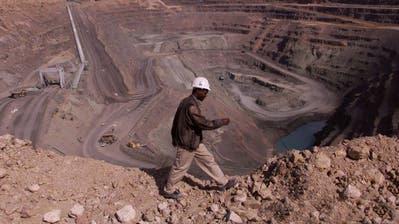 Diese Diamantenmine liegt nahe der botswanischen Stadt Jwaneng und ist eine der ergiebigsten der Welt. (Bild: Alamy)