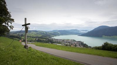 Lieblingsspaziergang von Carmen - Schneitstrasse mit Blick auf Oberägeri(Bild: Matthias Jurt, Oberägeri, 24.Juli 2020) (Matthias Jurt/ Zuger Zeitung)