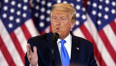 Donald Trump während seines Auftritts in der Wahlnacht (Bild: epa)