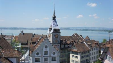 Das Wahrzeichen der Stadt Zug: Der Zytturm. (Bild:Zug Tourismus)