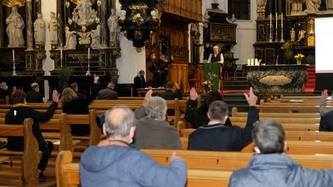 Die Frühlings- und Herbstversammlung der Kirchgemeinde Stans fand aus aktuellem Anlass in der Pfarrkirche statt. (Bild: Richard Greuter (Stans, 6. November 2020))