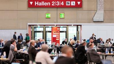 Kantonsratssession: Hauptthema ist die Haertefallregelung. Es handelt sich um die letzte Session in der Messe Luzern. (Bild: Patrick Huerlimann, Luzern, 30. November 2020) (Patrick Huerlimann)