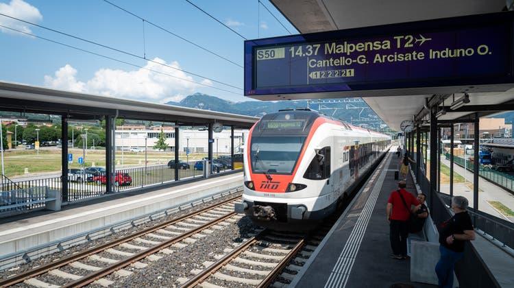 Die Regionalzüge TILO fahren ab Sonntag wieder zwischen dem Tessin und Norditalien. (Keystone)