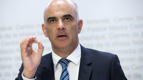 Gesundheitsminister Alain Berset präsentierte am Freitag die neuen Coronamassnahmen. (Keystone)