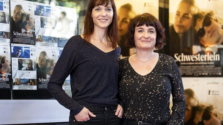 Konnten keinen Preis entgegennehmen: Regisseurinnen Veronique Reymond (l.) und Stephanie Chuat. (Keystone)